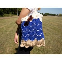 A Day At The Beach Bag Knitting Kit and Pattern in Deramores Yarn