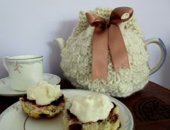 Chunky Squares Tea Cosy